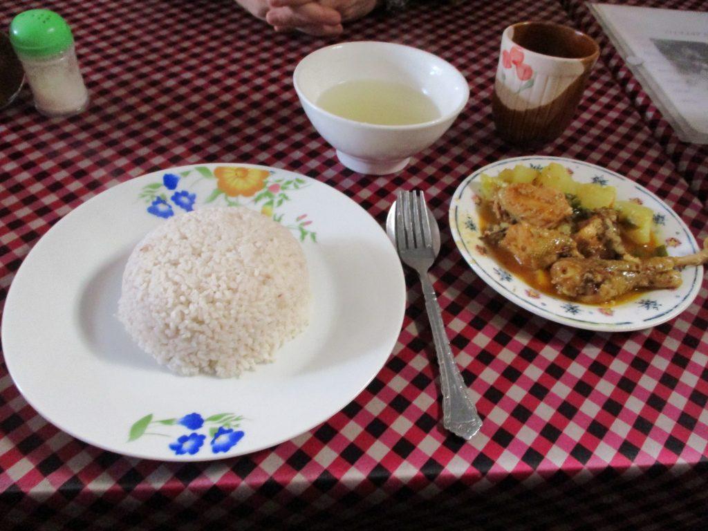 Essen auf dem Weg nach Ranomafana
