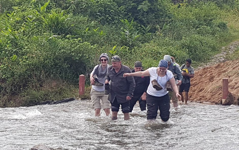 Durch den Fluss nach Vohimana